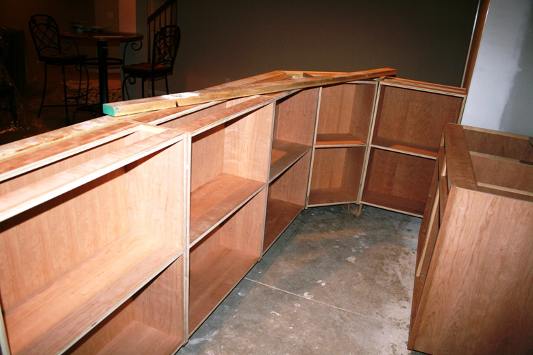 http://ohiobasements.com/assets/images/3_custom_built_cherry_bar_large.jpg