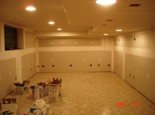 Basement walls with drywall1