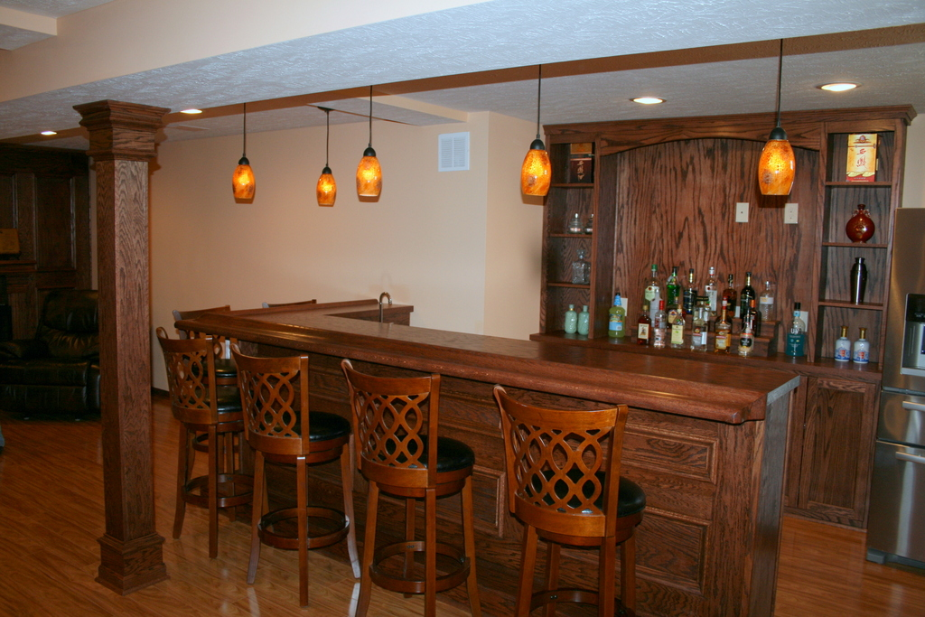 Oak wet bar Strongsville Ohio